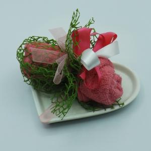 piatto cuore con rosa